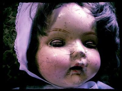 Creepy Cracked Doll (3)